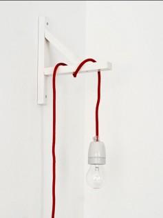 Wisząca lampa NUD - Czerwony sznur z oprawą